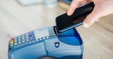 Płatności mobilne na celowniku hakerów - zagrożeni nie tylko klienci